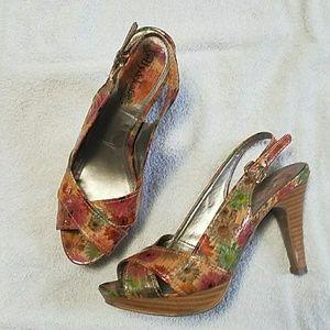 """Kelly & Katie 4"""" Flower Heels. KKHeels01"""